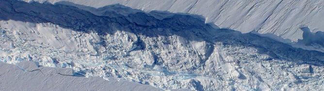 Tak się rodzi góra lodowa