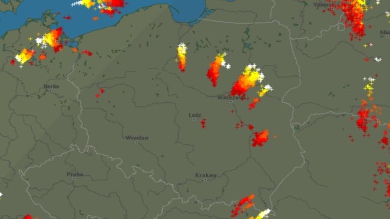 Burze nad Polską (godz. 21:30)