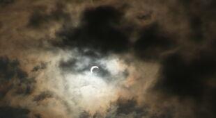 Zaćmienie Słońca obserwowane w Gabonie