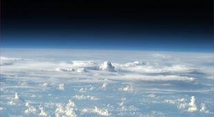 Chmury widziane z orbity w obiektywie astronauty Luki Parmitano (Luca Parmitano/flickr.com/photos/volaremisssion)